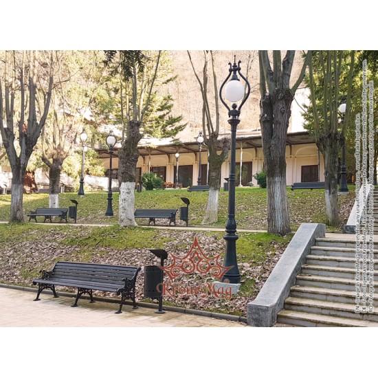 Stâlp Iluminat Exterior Parc din Fontă 1H-O1